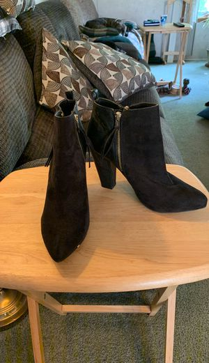 Black heeled boots for Sale in Paulsboro, NJ