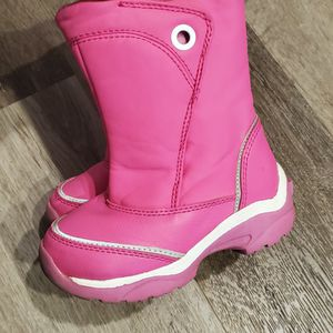 Toddler Size 8 Snow Boots Excellent Condtion for Sale in Lakewood, CA