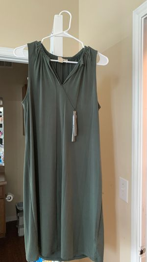 Michael Kors Olive Green (M) for Sale in Lewisville, TX