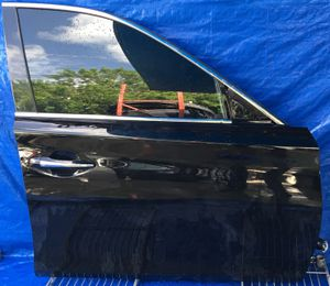 2014 - 2018 INFINITI Q50 FRONT RIGHT PASSENGER SIDE DOOR BLACK for Sale in Fort Lauderdale, FL