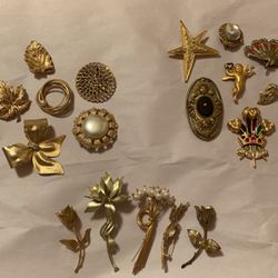 Vintage Brooches And Pins for Sale in Austin,  TX