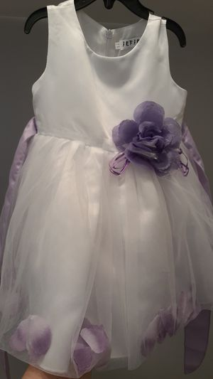 Little girls dress fits 18mnts to 24mnts wedding flower girl for Sale in Inman, SC