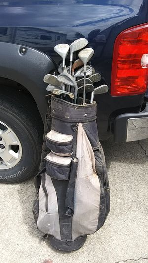 One set of ugly golf clubs complete with 12 balls and some tees for Sale in Canal Winchester, OH