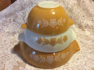 Set of 3 Vintage Pyrex Butterfly Gold Cinderella Mixing Bowls for Sale in Tampa, FL