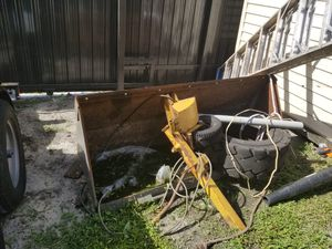 Bobcat new holland bucket 66 inch for Sale in Miami, FL