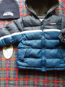 Boy jacket and hat size 4T. 😊 for Sale in Everett,  WA