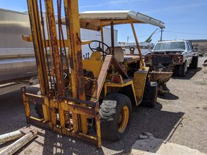 Wiggins ? forklift with title pink slip whatever you want to call it for Sale in Glendale, AZ