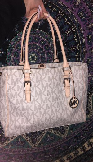 Michael Kors white/gold purse for Sale in Newark, CA