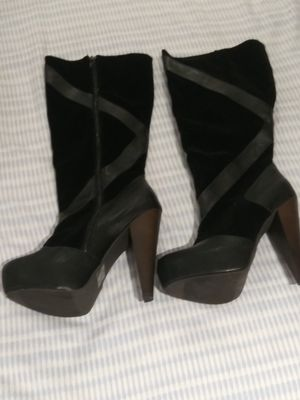 Women Boots Size 8 for Sale in Miami Gardens, FL