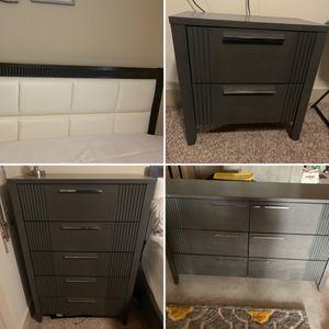 Queen Bedroom Set for Sale in Wentzville, MO