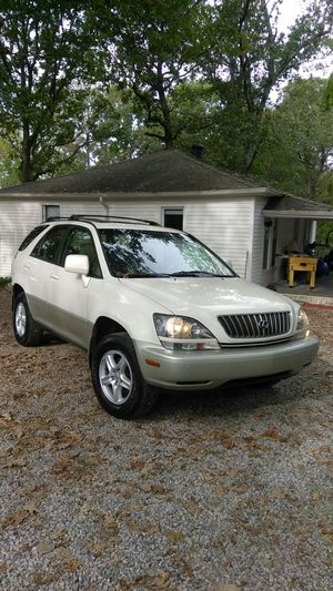Lexus RX 300, 2,000 clean Title in hand! for Sale in Nashville, TN
