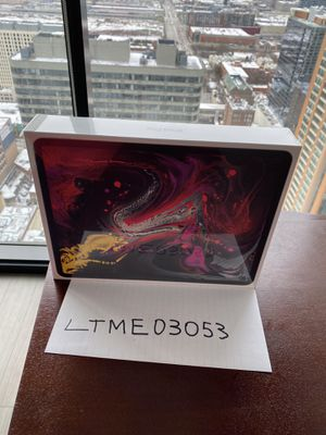 """New Sealed Apple iPad Pro WiFi 512gb 12.9"""" Space Gray AppleCare+ 2021 for Sale in Chicago, IL"""