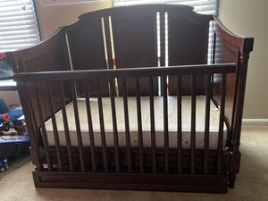 Luxury Custom Built Pottery Barn Crib with Mattress for Sale in Glyndon, MD