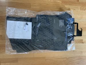 BRAND NEW Mercedes Winter Heavy duty floor mats GLC300 for Sale in Chicago, IL