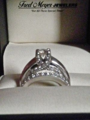 Engagement ring and wedding band for Sale in Kennewick, WA