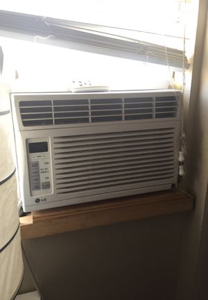 Excellent air conditioner 6000 btu for Sale in Los Angeles, CA