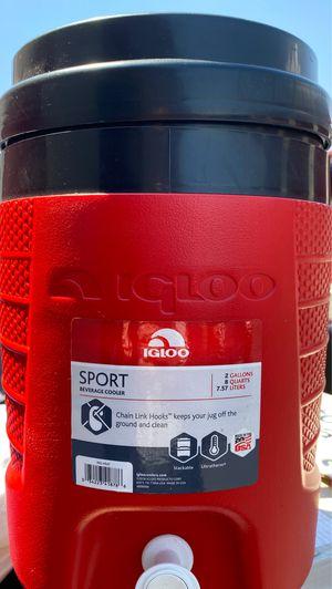 2 Gallon igloo Sport Beverage cooler for Sale in Pomona, CA
