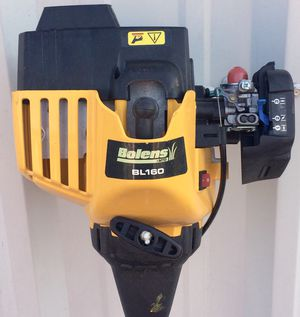 BOLENS BL-160 STRAIGHT SHAFT DOUBLE LINE TRIMMER-LIKE NEW, STARTS 1 PULL for Sale in Virginia Beach, VA