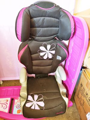 Car seat and Booster seat for Sale in Tulsa, OK