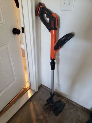String Trimmer with edger capability Black + Decker 20 volt 12 in straight cordless battery included for Sale in Waynesville, MO