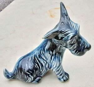 "Antique Black 5.5"" H scotty dog Scottish terrier figurine unmarked Fala for Sale in Saginaw, MI"