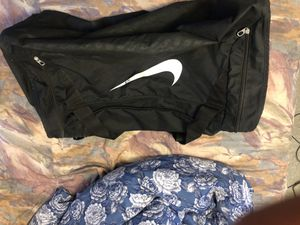 Nike LARGE Duffle Bag for Sale in Chicago, IL