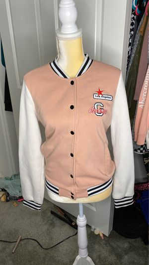 guess pink and white jacket size large for Sale in Victorville, CA