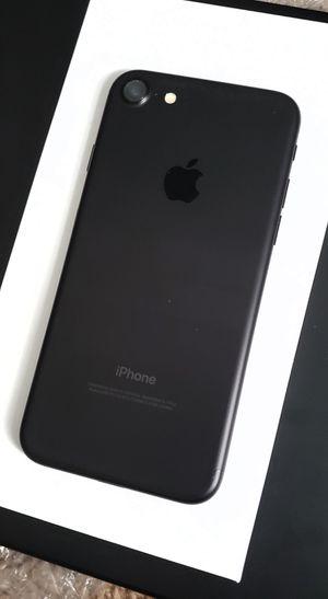 iPhone 7 UNLOCKED for Sale in Aspen Hill, MD