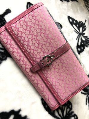 Coach Signature Pink Canvas Wallet for Sale in Orlando, FL