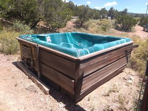 Hot tub for Sale in Santa Fe, NM