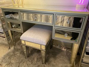 Mirrored Glam Vanity for Sale in Redwood City, CA