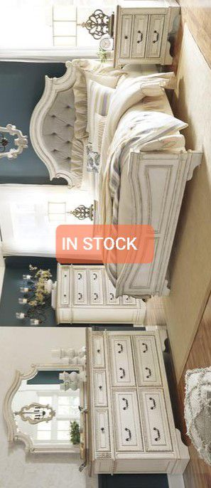 ‼Realyn Chipped White Panel Bedroom Set for Sale in Silver Spring, MD