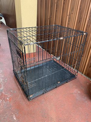 Dog crate for Sale in Miami, FL
