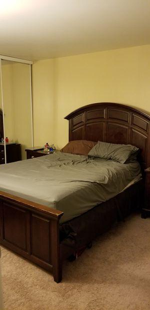 Cherry Queen Bedroom Set for Sale in San Jose, CA