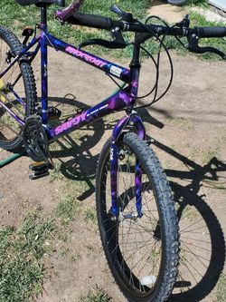 Mountain Bike Size 26 Make And Offer for Sale in Huntington Beach,  CA