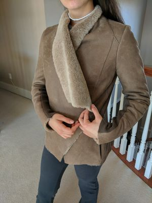 NWT Vince shearling jacket Size S for Sale in Ashburn, VA