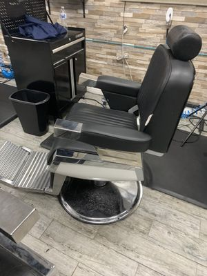 Barber chair for Sale in La Habra Heights, CA
