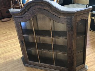Antique Curio/Keepsake Cabinet for Sale in Los Angeles,  CA