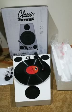 Easygoproducts Vertical Bluetooth Turntable for Sale in Chicago, IL