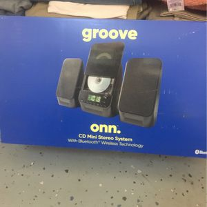 onn. CD Mini Stereo System with Bluetooth Wireless Technology for Sale in San Diego, CA