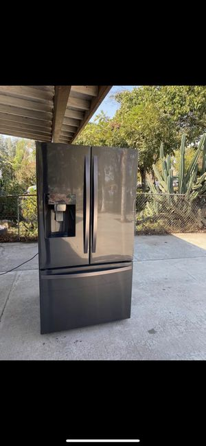 Refrigerator kenmore for Sale in Fresno, CA