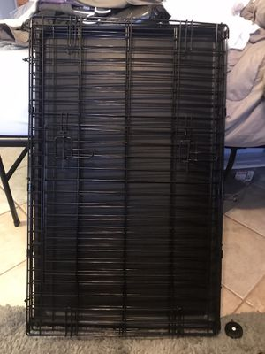 Medium dog crate and accessories for Sale in Dallas, TX
