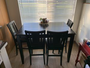 Extendable dining room table and chairs (4) for Sale in Brown Deer, WI