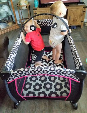 Even flow pa k and play kids not included. . Like June's Online Consignment Shop on Facebook for Sale in Neenah, WI