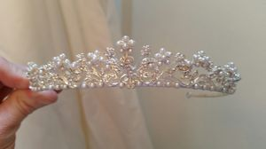 Rheinstone lined veil and tiara for Sale in Seattle, WA