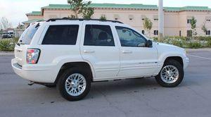 Clean2004 Jeep Grand Cherokee 4WDWheelss for Sale in Lubbock, TX