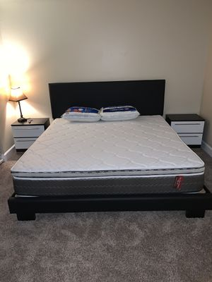 New 4 piece king bedroom set FREE DELIVERY and installation. Bed frame, mattress, 2 night stands for Sale in Hollywood, FL
