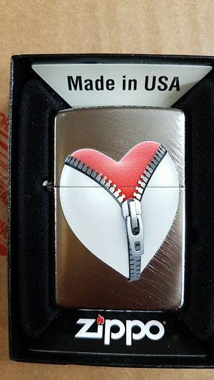 Zippo zip heart 28327 for Sale in Los Angeles, CA