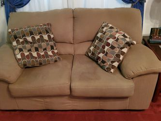 Couch And Love Seat for Sale in New Kensington,  PA