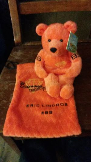 Salvinos bammers diamond collection 2000 Eric Lindros plush bear w/ bag for Sale in Philadelphia, PA